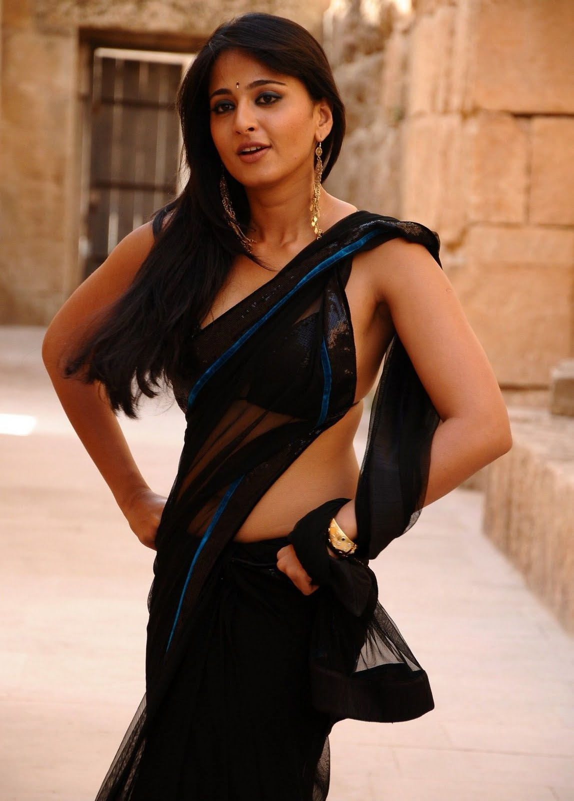 Anushka Latest Hot Black Saree Back Photos | Anushka Navel