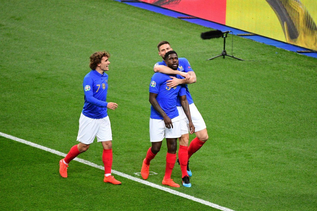 on pitch  nike france centenary kit