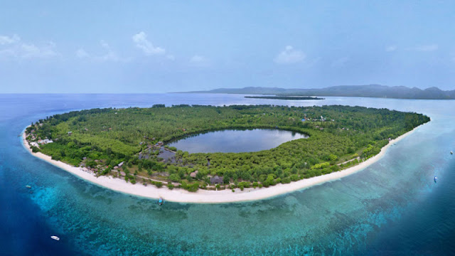 Pulau-Gili-Meno