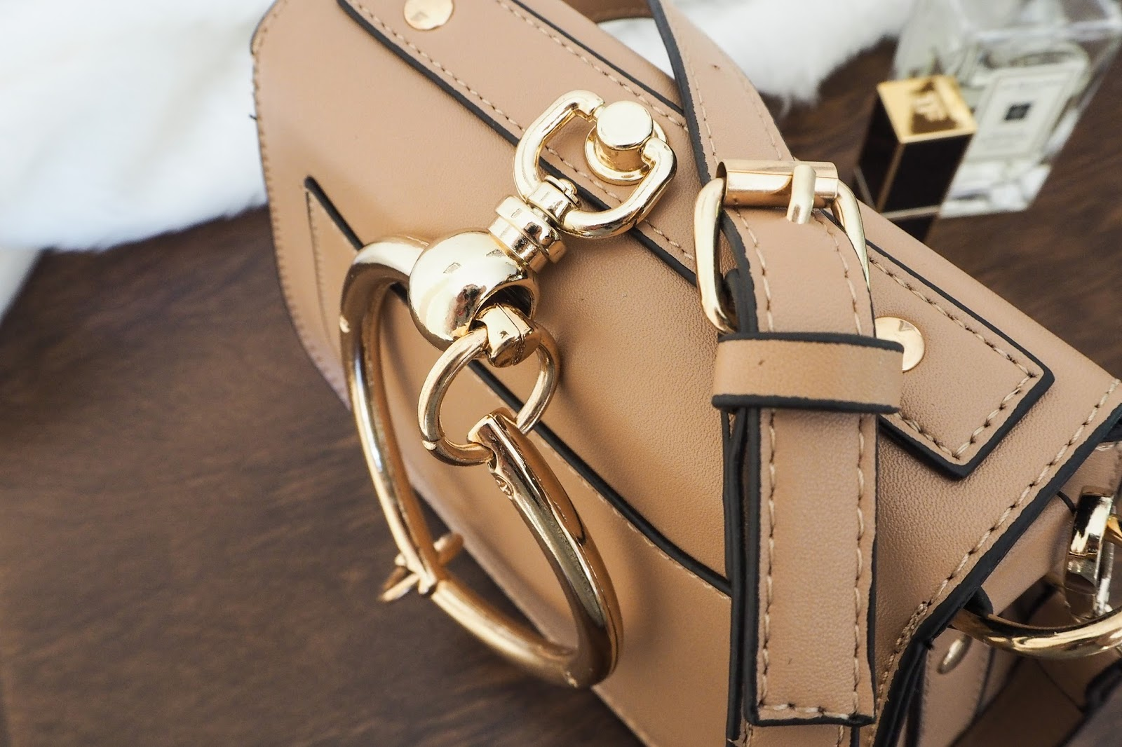 Strap details on the Chloe Nile dupe handbag