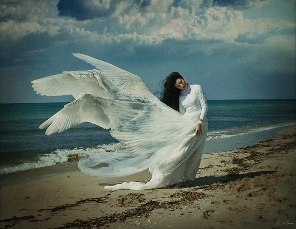 angel-na-fone-morya-foto-devushku-napolnyayut-spermoy