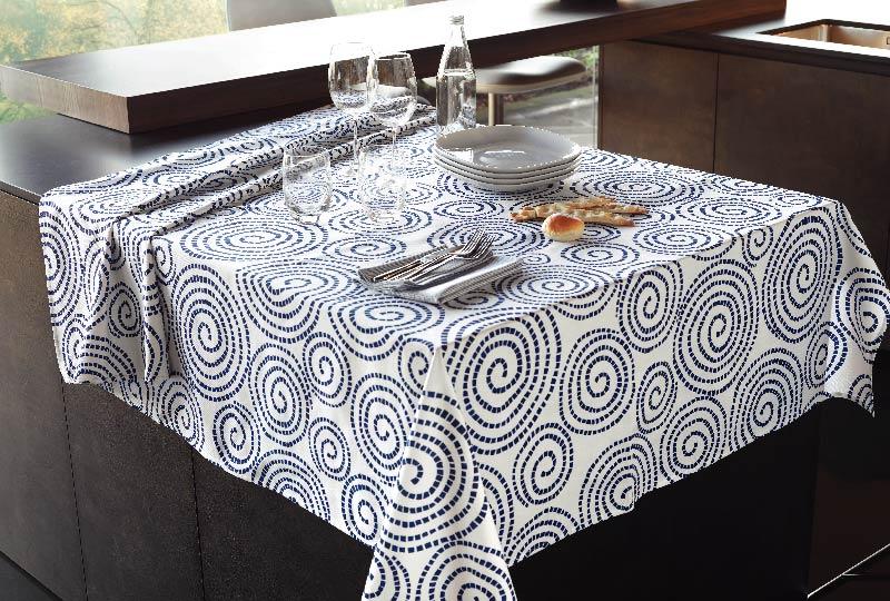 Collezione Blue & White di tessili per tavola e cucina Vallesusa