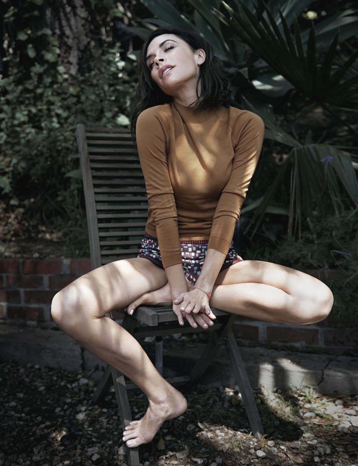 2017 05 kayla autumn ward legs - Manicure Tom Bachik