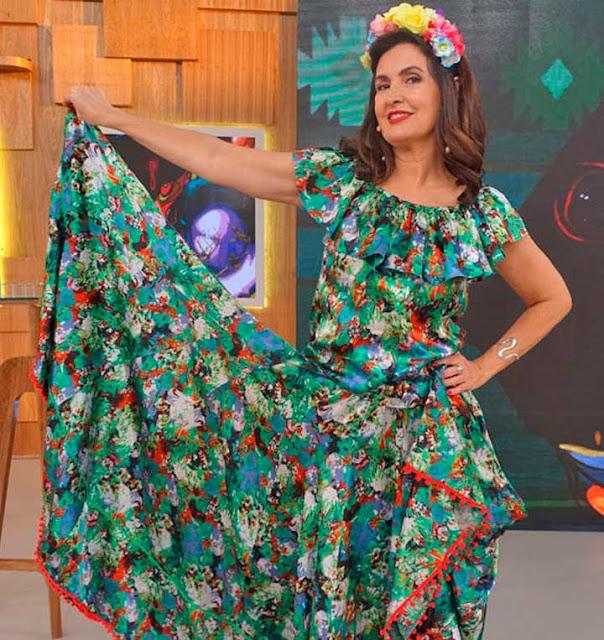 Fátima Bernardes com roupa de Carimbó