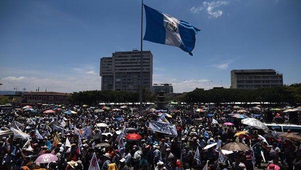 Mayoría de guatemaltecos desaprueban gestión de Jimmy Morales