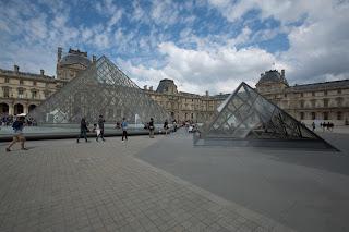 parizs-louvre