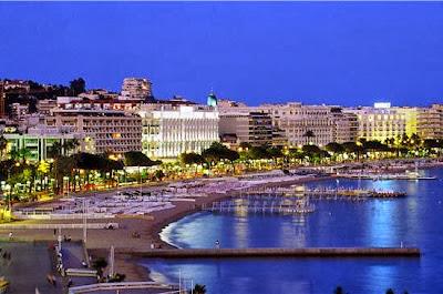 Visuale notturna de la, Cannes, France (Prancis)