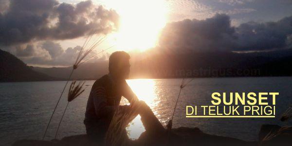 Eksotisme SUNSET di Teluk Prigi