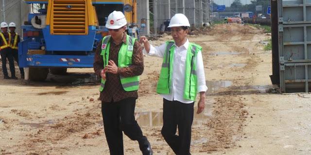 "Jokowi ""Nge-tweet"" Foto Berdua Ahok di Proyek MRT"
