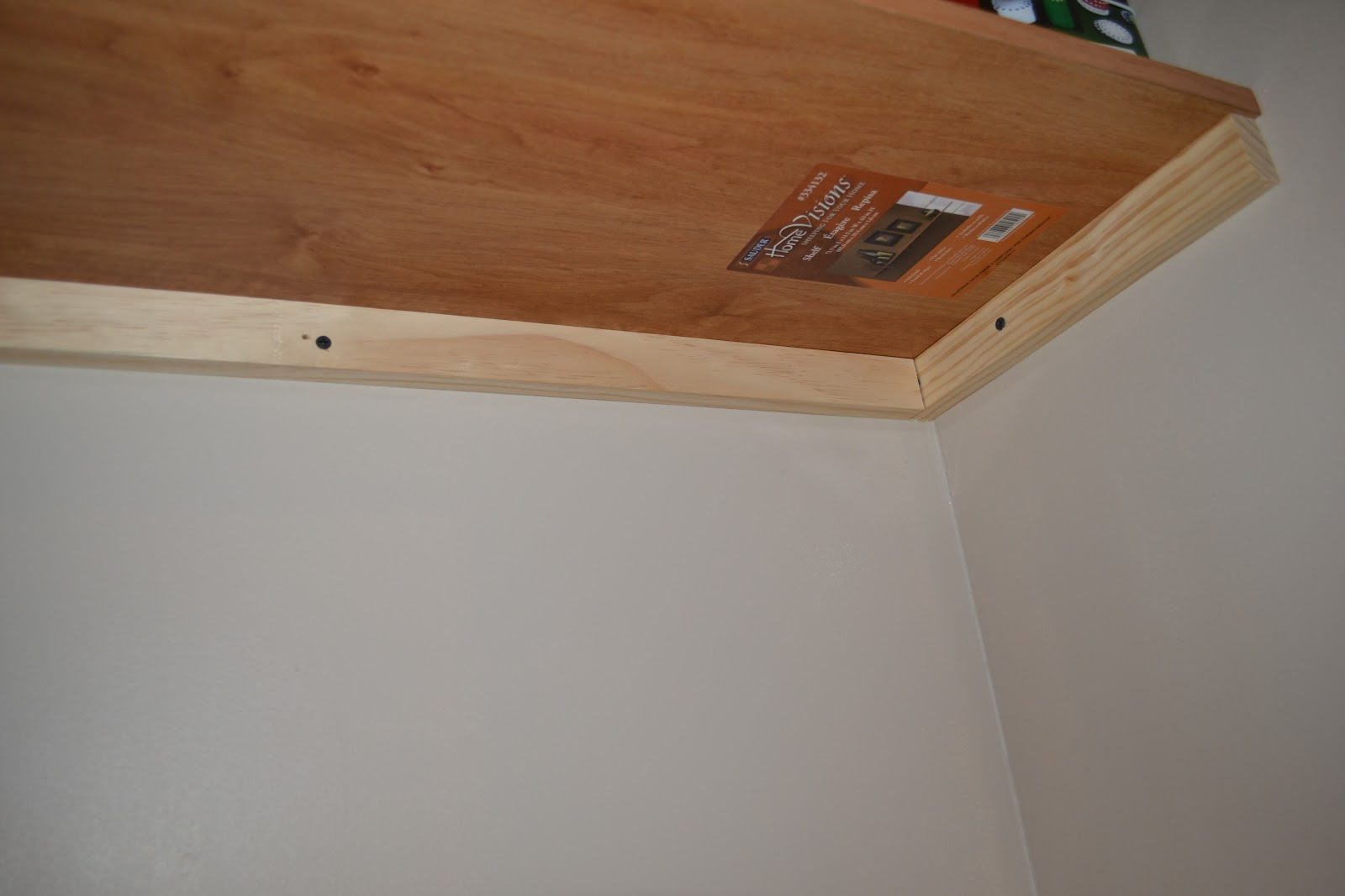 Bench Guide: Access Build bracketless shelves