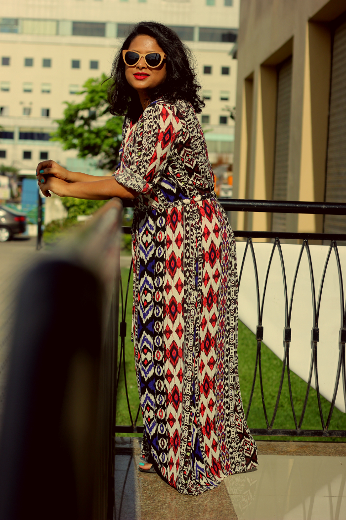 Fat Fashion - Plus Size Fashion - Aztec Maxi Dress - How to wear a maxi dress - Live Laugh Dressup - Indian Fashion Blog - Best Fashion Blog - Top Fashion Blog