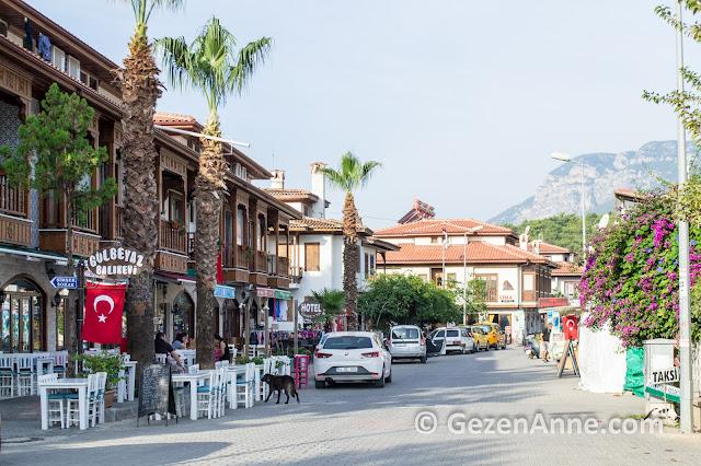 Akyaka çarşısı ve restaurantları, Muğla