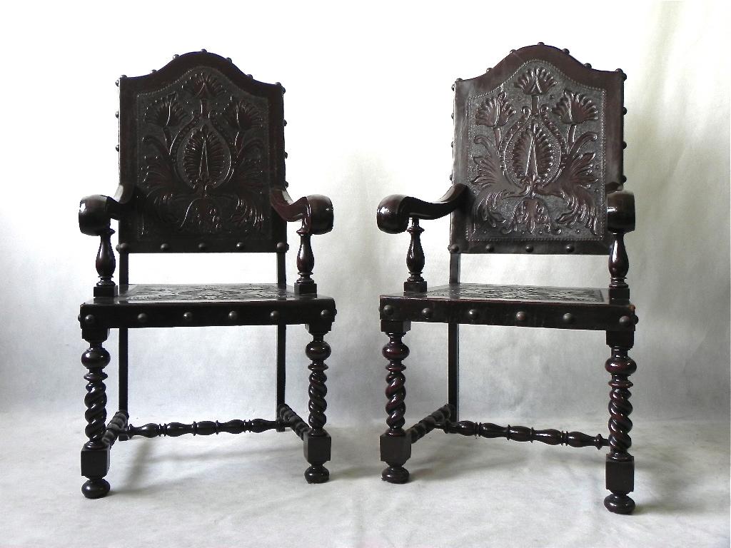 movelaria carioca par de cadeiras estilo manuelino anos 40