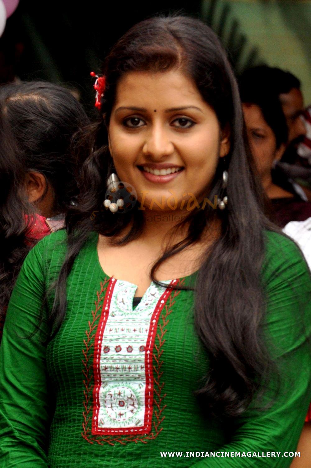 Actress Sarayu Unseen Hd Fotos Mega Media