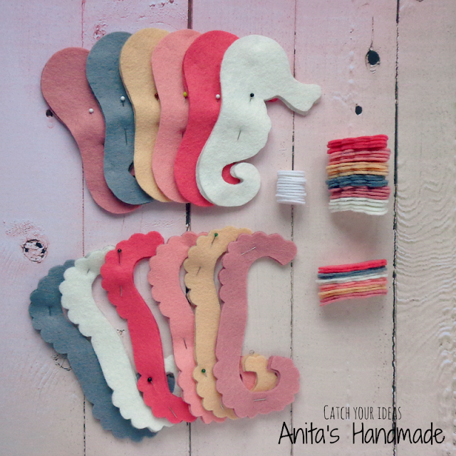 filc, felt, feltro, fieltro, konik morksi, koniki morskie, seahorse, felt seahorse, caballito de mar, cavalo-marinho, rekodzielo, handmade, hand made, brelczek, brelok, pendant, felt pendant, filcowy breloczek, filcowy brelok, brelok z filcu, filcowy brelok, green, gift handmade gift, recznie szyty, konik morski z filcu, filcowy konik morski, wakacje, summer, sea, smile, sweet, cute design, cute felt, cute seahorse, felt design, craft, felt craft, work in progress, praca w toku