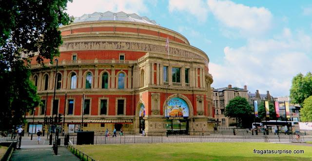 Royal Albert Hall, casa de espetáculos no bairro de Kensington, em Londres