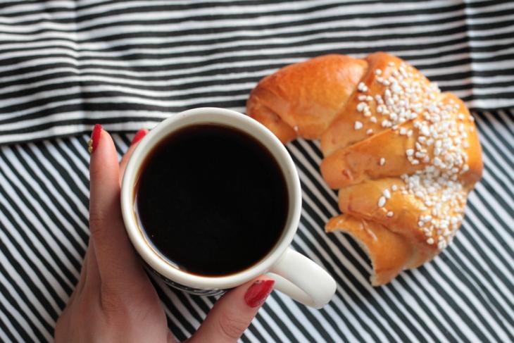 kahvi pulla kynsilakka marimekko