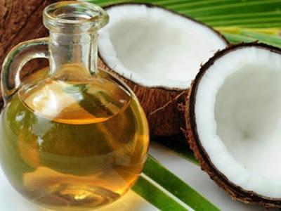 Foto Manfaat Minyak Kelapa Untuk Rambut Dan Diet