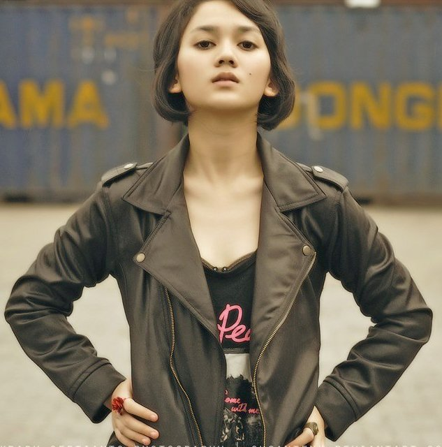 Kumpulan Foto Bugil ABG: Leona Agustine Dihardja