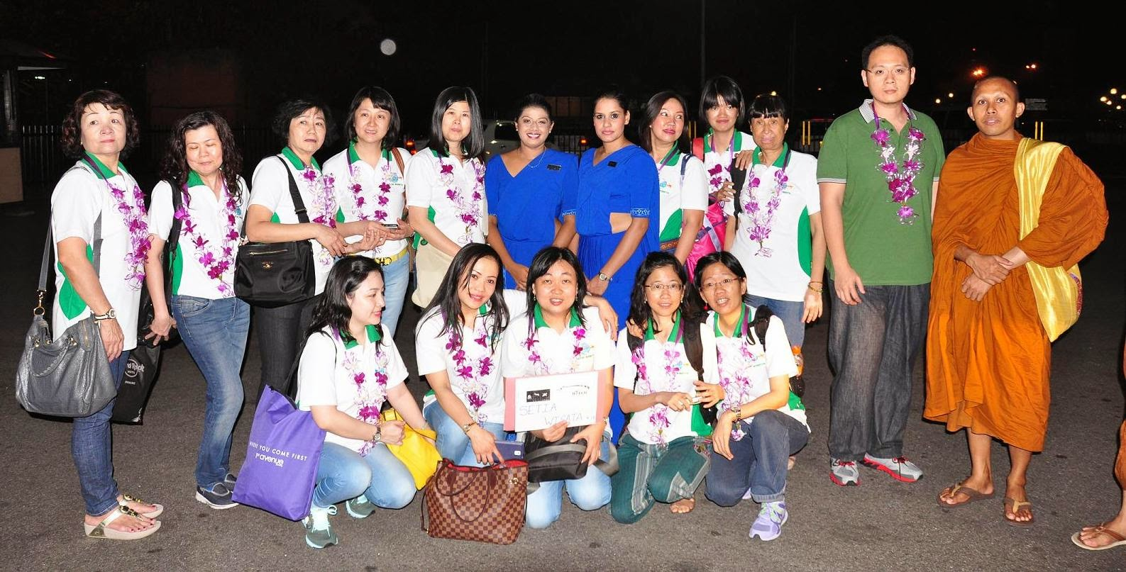 The tour group from Medan with members of the Mihin Lanka crew