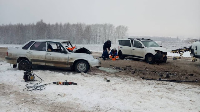 В аварии в Башкирии погибла супружеская пара