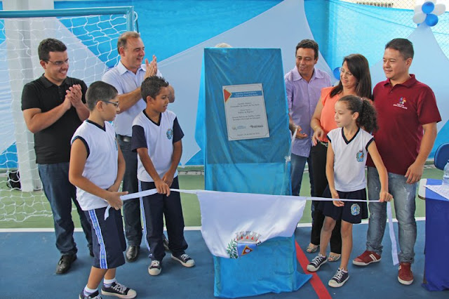 Prefeito de Registro-SP inaugura cobertura das quadras esportivas das escolas Anna Pinto e Juscelino Kubitschek