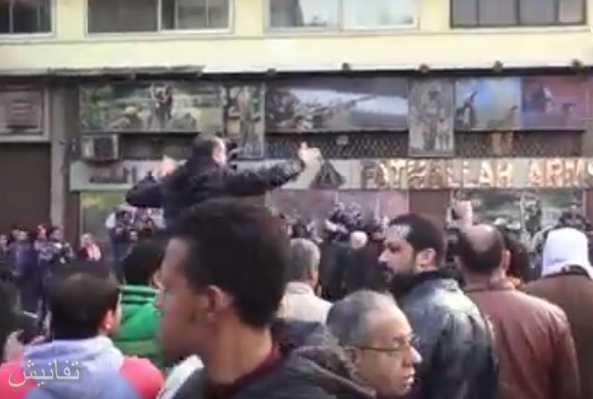 بالفيديو إعتقال 12 مواطن من المشاركين في الوقفة الإحتجاجية بخصوص تيران وصنافير