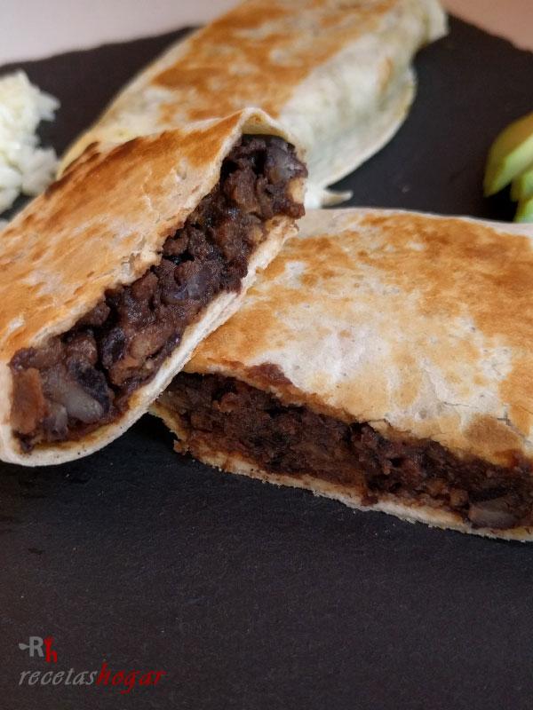 Deliciosos burritos mexicanos de carne
