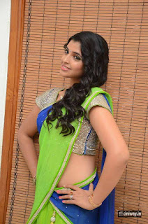 Anchor-Shyamala-Stills-at-Jakkanna-Audio-launch