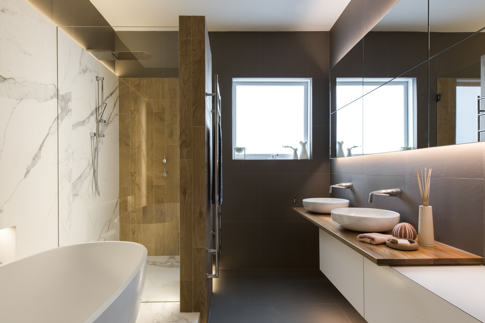 This Main Bathroom Come Powder Room For Guests Has All Boxes Ticked. Strong  Bold Design Statement, Soft Ambient Lighting And A Great User Friendly  Layout.