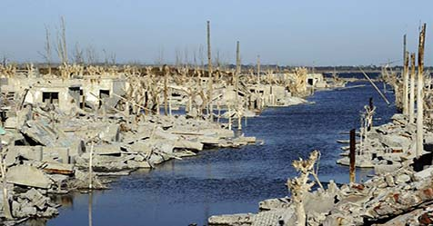 Ghost Town in Argentina Reappear After 25 Years Sinking