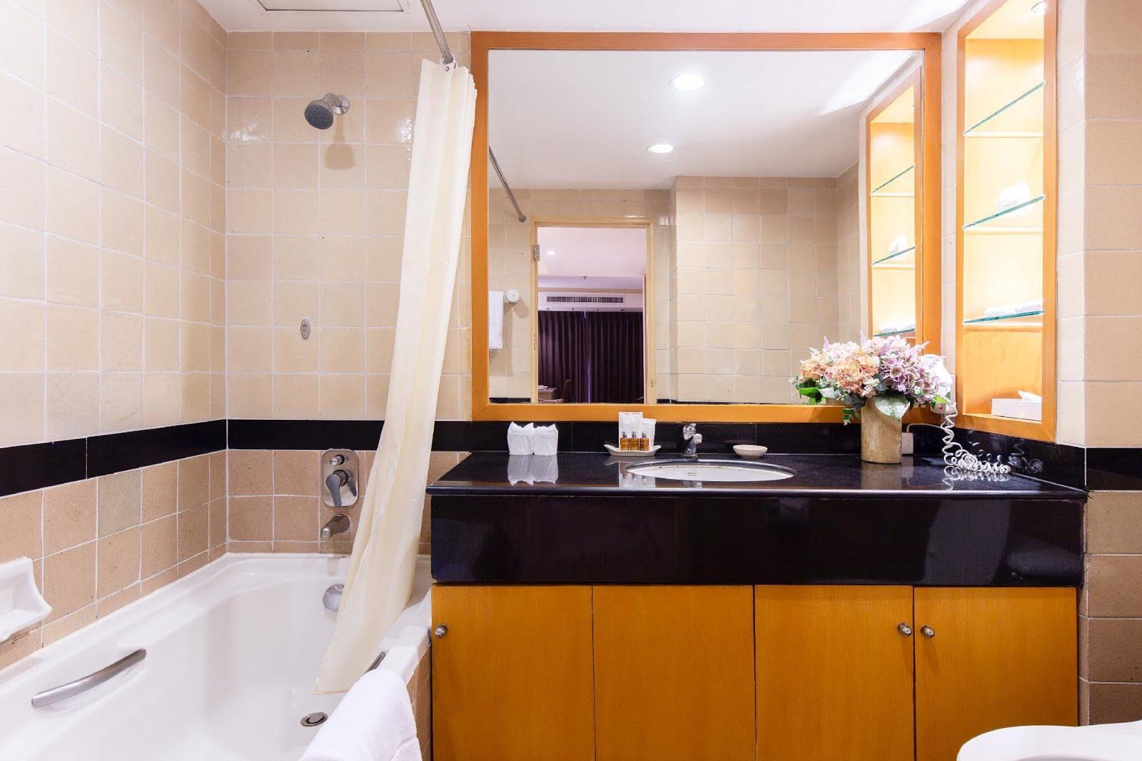 10 ที่พักกรุงเทพวิวสวย ราคาถูก มีอ่างอาบน้ำ เริ่มต้นแค่ 700 บาท/คืน