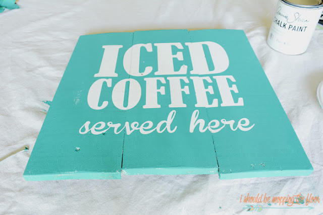 DIY Vintage Iced Coffee Sign : the perfect summertime sign! Full tutorial on paint technique and sign assembly. Easy to make.
