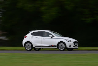 2018 Mazda 2 date de sortie et prix spécifications rumeurs, Revue