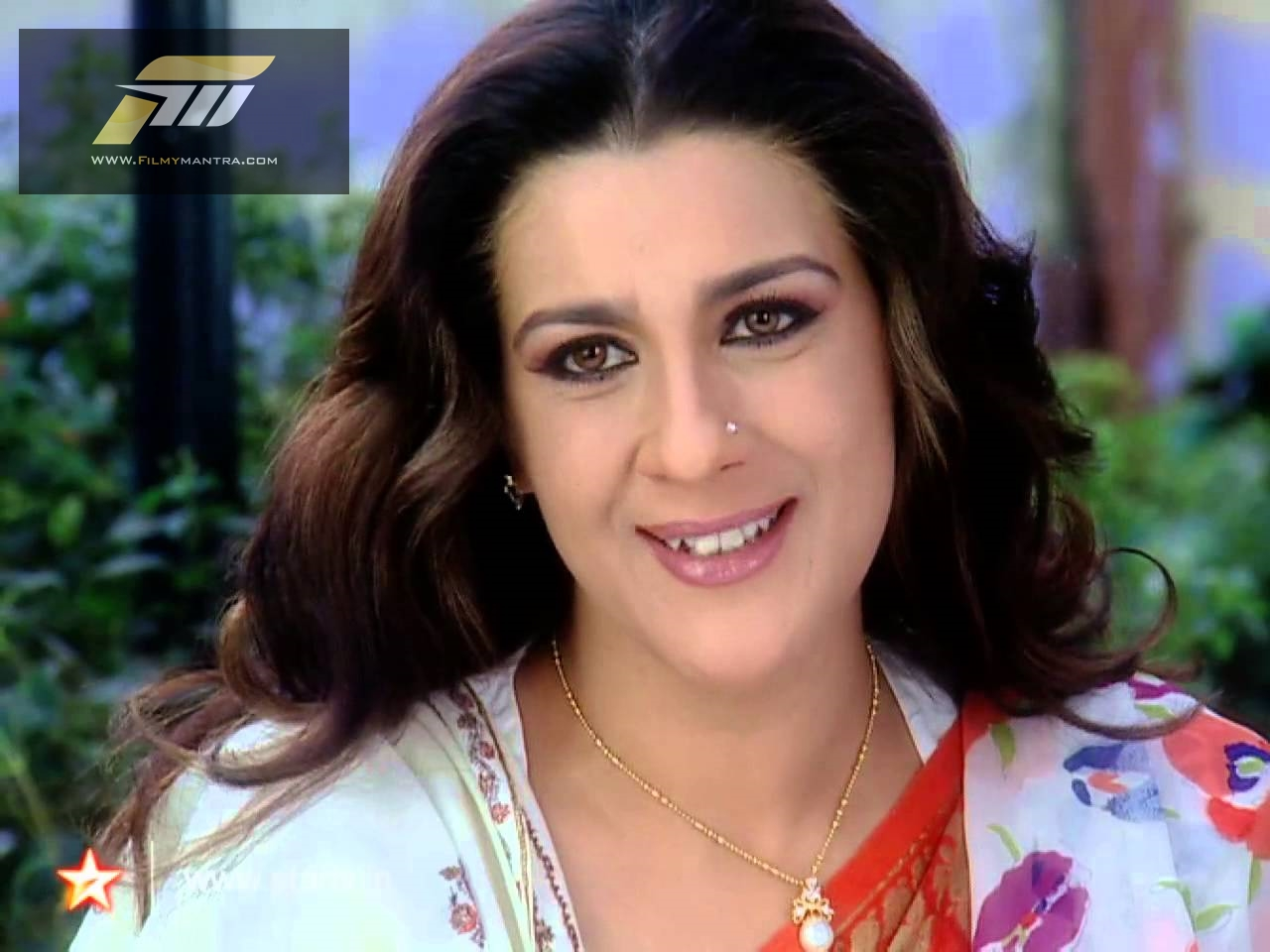 amrita singh hd and hot wallpapers images gallery download