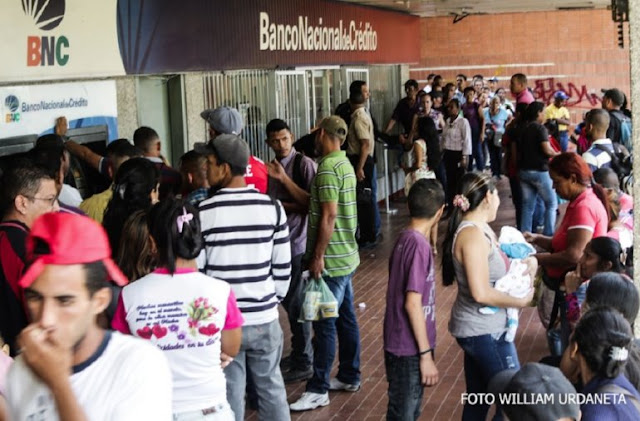 Jubilados venezolanos rechazan cobro de pensión con el Carnet de la Patria