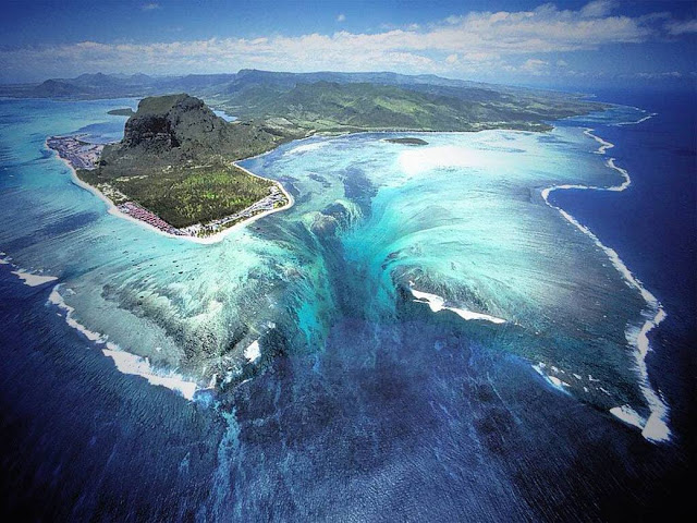 Air terjun dalam laut