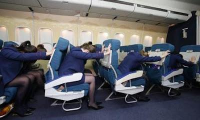 Procediments d'emergència: Emergència prevista en un avió