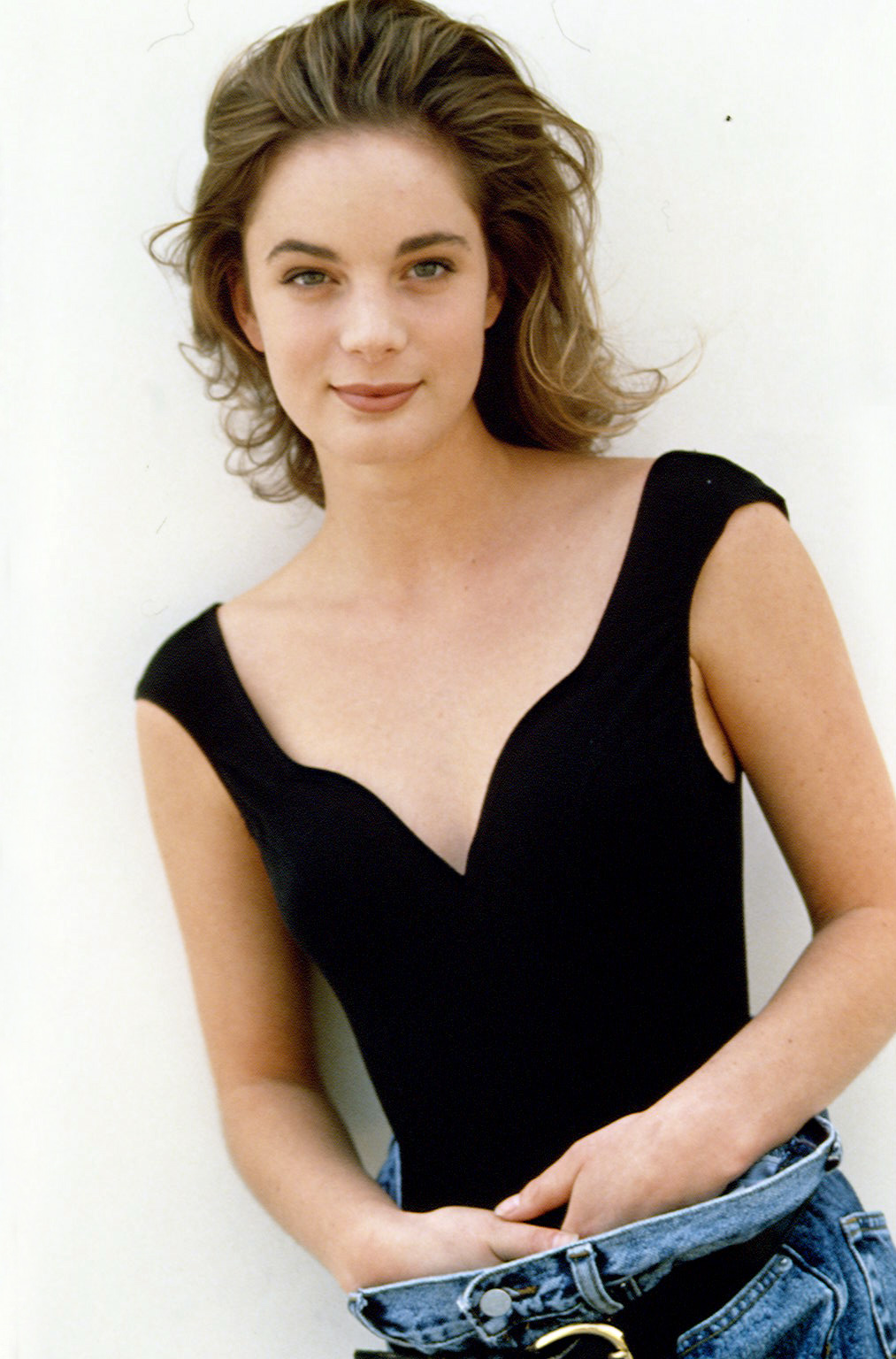 Young Celebrity Photo Gallery: Gabrielle Anwar as Young Girl