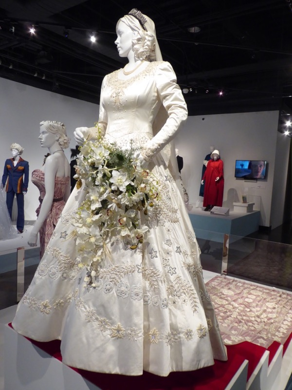 Crown Elizabeth Wedding Dress
