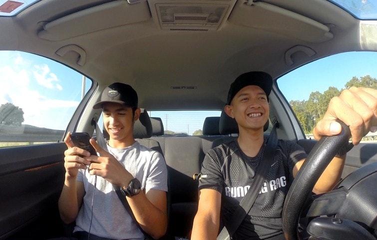 Demi mengejar mimpi meraih MotoGP, Andi Gilang dan Dimas Ekky pindah ke Barcelona