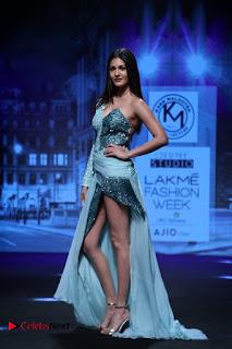 Actress Amyra Dastur Walk On Ramp for Designer Karn Malra at LFW Summer 2017  0011.jpg
