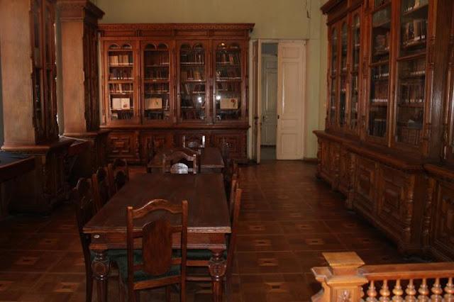 tbilisi georgia silk textiles architecture, georgia silk museum, georgia textiles craft