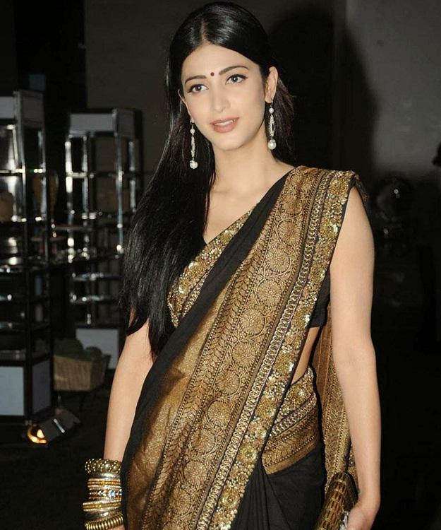 Shruti Hassan Stunning
