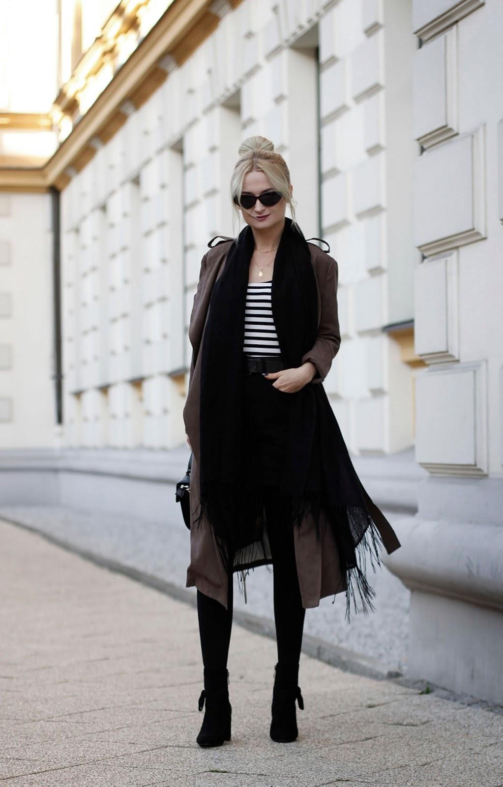 Długi płaszcz w kolorze czekolady