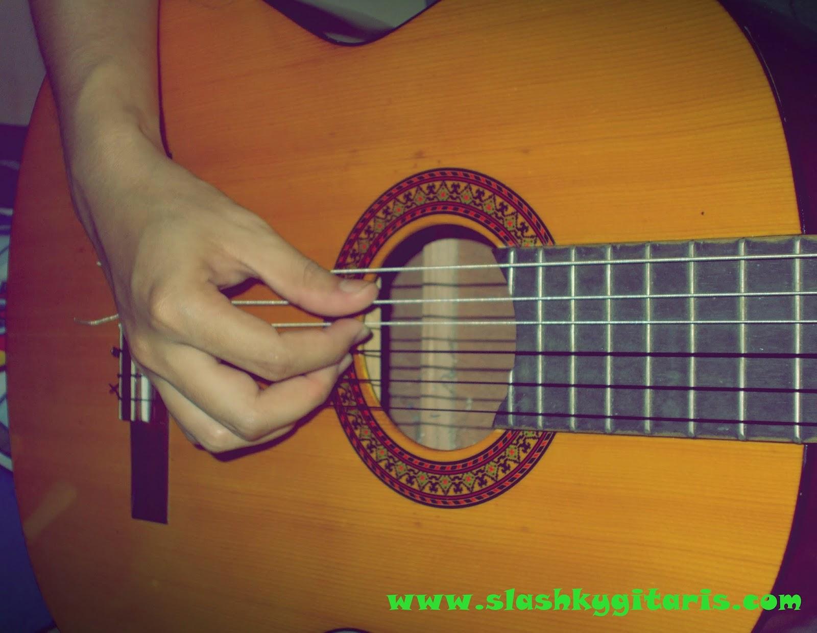 belajar cepat gitar, belajar gitar, belajar gitar akustik, chord dasar, chord major, chord minor, otodidak gitar, rahasia gitar, teknik belajar gitar, teknik gitar, tips bermain gitar,