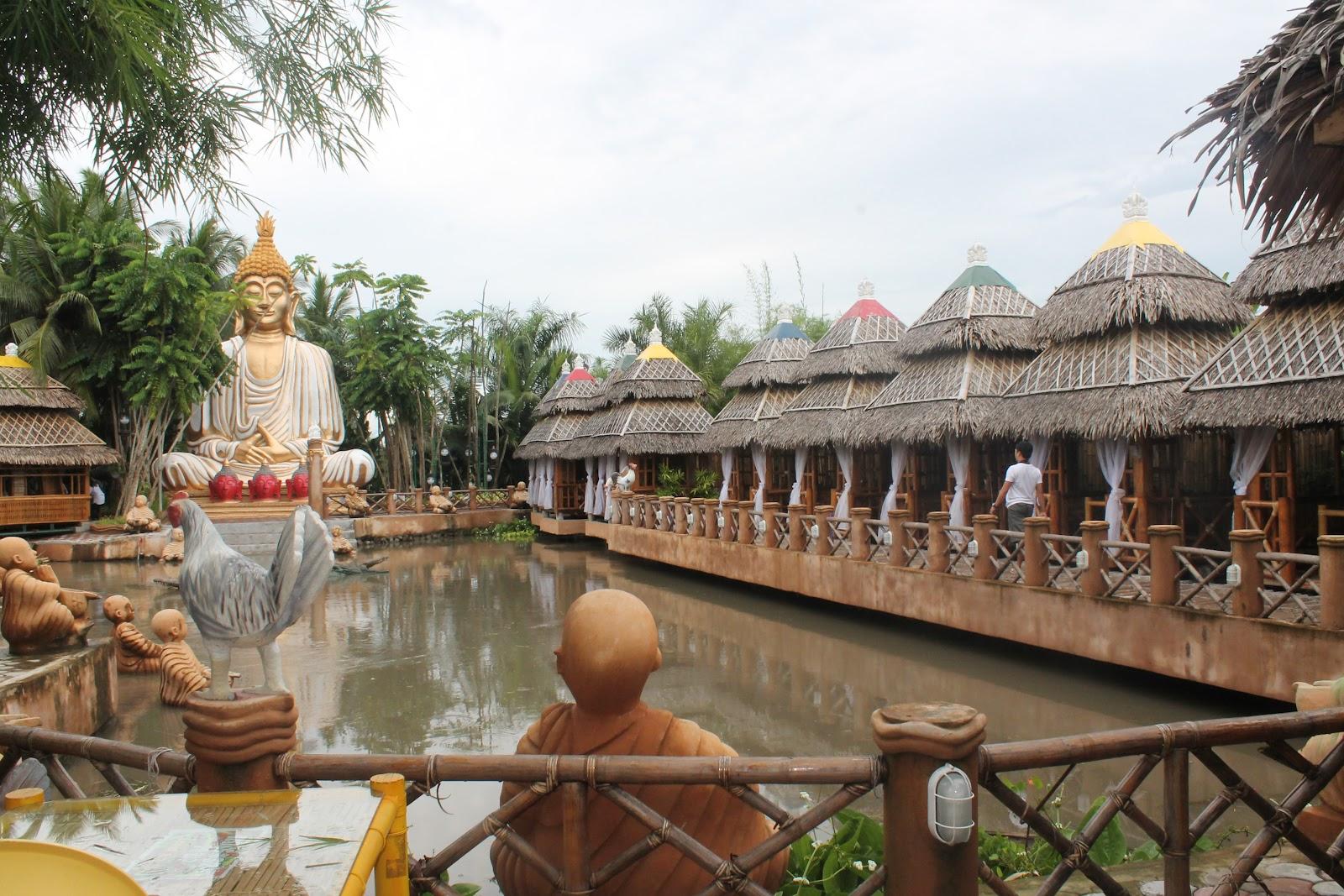 laica isdaan floating restaurant laguna