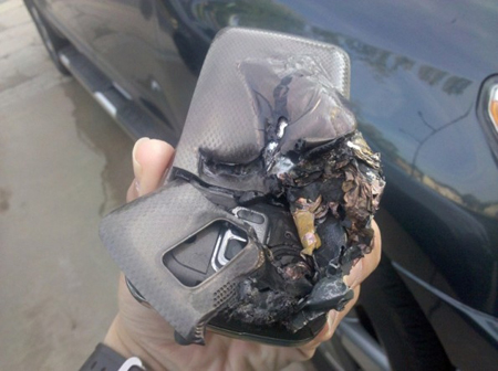 Samsung Note 7 Mobile Explode on man's pocket in Us