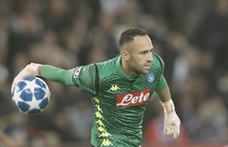 Arsenal Coach Visits Ospina