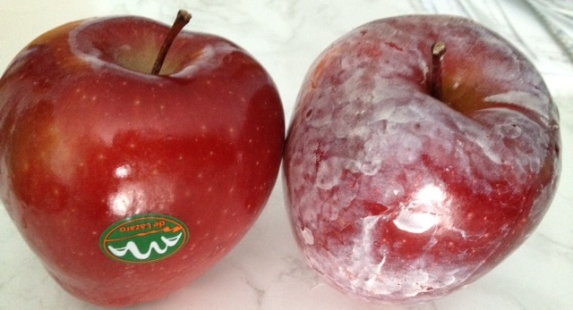 Pour Hot Water on Your Apples and See If This Common Cancer-Causing Wax APPEARS